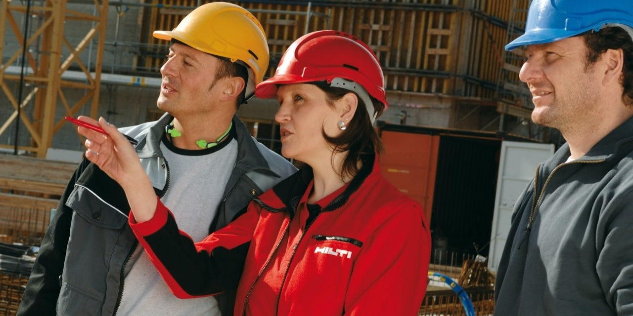 Hilti field engineer consulting onsite