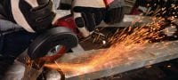 AG 125-A22 (2) Cordless angle grinder with brushless motor, used with 22 V battery for everyday cutting and grinding with discs up to 125 mm diameter Applications 2